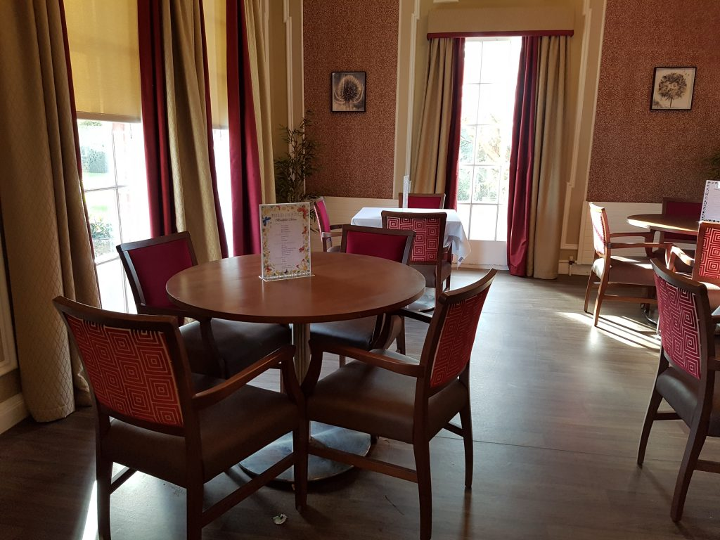 Care Home Dining Tables Chairs